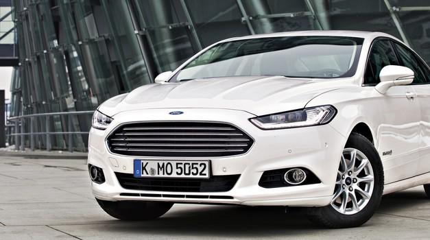 Test: Ford Mondeo Hybrid Titanium (foto: Saša Kapetanovič)