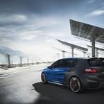 Peugeot 308 R Hybrid: družinski prevoznik po elektrošoku (foto: Peugeot)