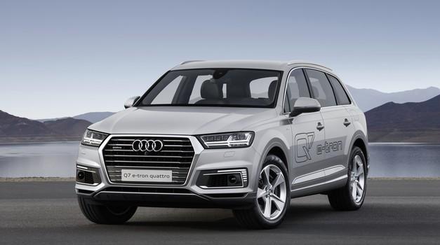 Audi Q7 E-Tron Quattro - zdaj tudi bencinski (foto: Audi)