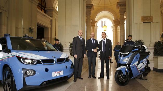Italijanska policija prejela električne BMW-je (foto: BMW)