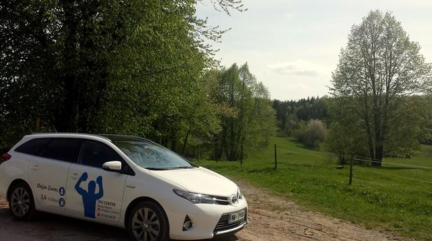 Lepote Bele krajine v tednu s Toyotinim hibridom (foto: Srečko Zupančič)