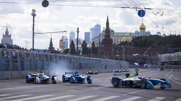 Formula E: Moskva srečna za Nelsona Piqueta Jr. (foto: FIA Formula E)