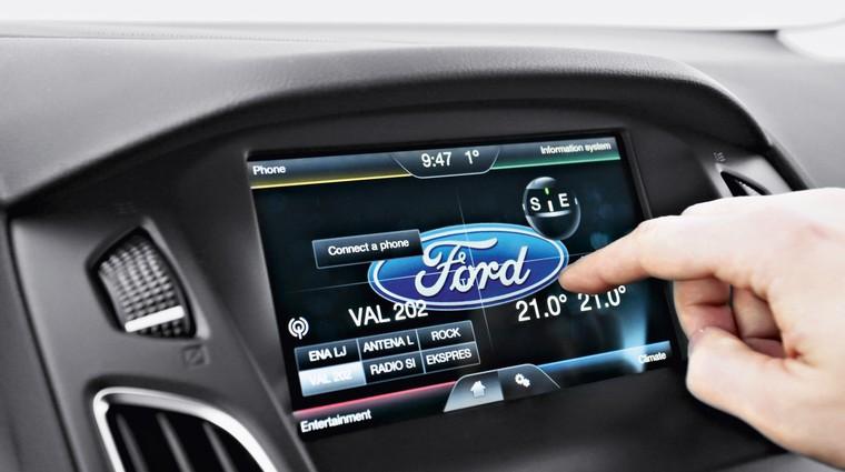 Podaljšani test: Ford Focus 1.5 TDCi (88 kW) Titanium (foto: Saša Kapetanovič)