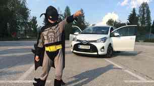 Tudi Batman bi vozil hibridno Toyoto