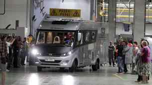 Tina Maze in Jakov Fak prejela avtodoma Adrie Mobil