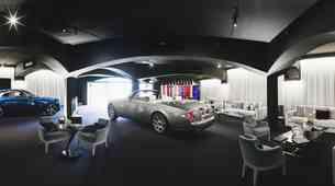 Rollsov poletni salon v Porto Cervu na Costi Smeraldi