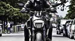 Mišičnjak - Ducati Diavel Dark