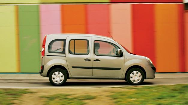 RABLJEN AVTO: RENAULT KANGOO (2008‒): Mercedes med dostavniki