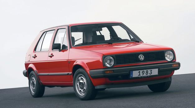 RABLJEN AVTO: Rabljeni avtomobili od 0 do 500 EUR (foto: tovarna/arhiv AM)