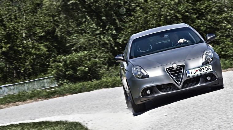 Kratki test: Alfa Romeo Giulietta 1750 TBi 16V Qudarifoglio Verde (foto: Saša Kapetanovič)