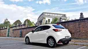 Podaljšan test: Mazda2 G90 Attraction