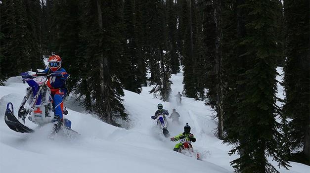 Z motorji na sneg