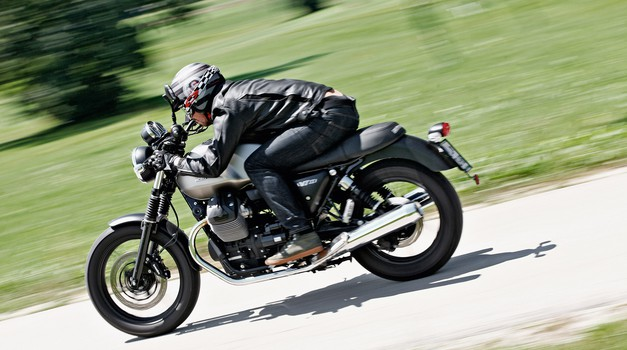 Test: Moto Guzzi V7II Stone (foto: Saša Kapetanovič, tovarna)