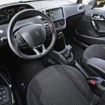Peugeot 208 Allure 1.6 BlueHDI 100 Stop&Start (foto: Uroš Modlic)
