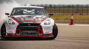 Nissan GT-R Nismo rekorder v driftu