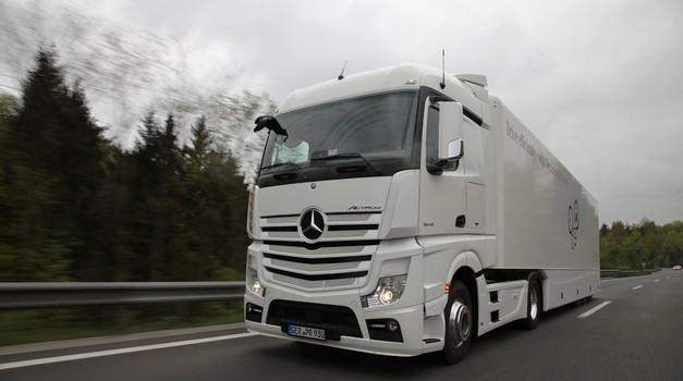 Dostavno in tovorno vozilo leta 2016 (foto: Jure Makovec, Anže Jereb, Miloš Milač)