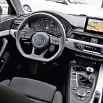 Audi A4 2.0 TDI Sport proti BMW 318d xDrive (foto: Saša Kapetanovič)