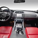 Jaguar XE 2.0T R-Sport (foto: Saša Kapetanovič)