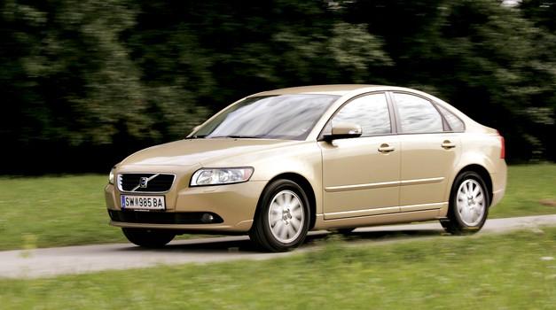 RABLJEN AVTO: VOLVO S40/V50 (2004–2012); Kljub letom svež