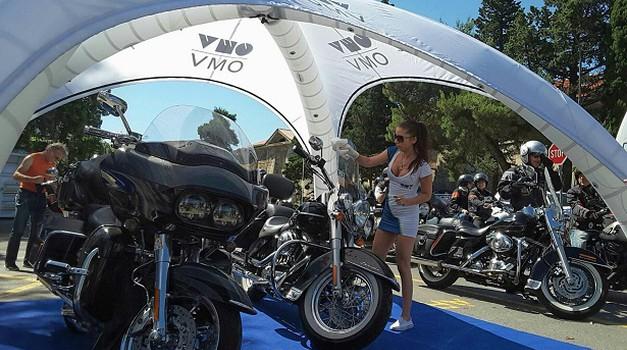 Na OMV Slovenija vam bodo brezplačno očistili motocikel (foto: OMV)