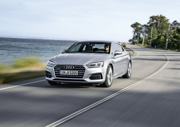 V novem Avto magazinu: vozili smo: Audi Q2, Audi A5 Coupé, Citroën C3, Volkswagen Up!, test: Ford Mustang,Opel AStra Sports Tourer, Mini Cooper Clubman SD in Mitsubishi Outlander PHEV