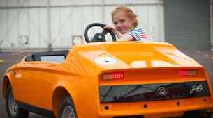 Električni avtomobil za najmlajše voznike