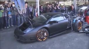 Tajvanska vlada kar v javnosti vzgojno uničila ilegalno uvožen Lamborghini Murcielago