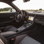 Za volanom že legendarnega Porscheja 911 R (foto: Porsche)