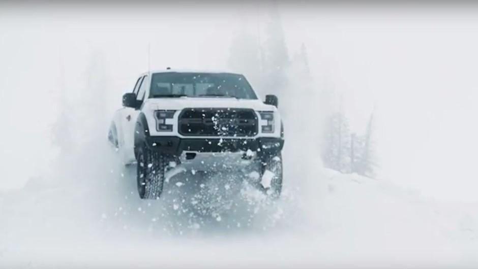 Ken Block izvajal vragolije na snegu s Fordom F-150 Raptor