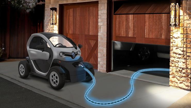 Renault-Nissan deli svojo električno platformo. Razvijajo tudi pametno nogavico!