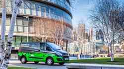 Priključno hibridni Ford Transit Custom bo poskusno vozil v Londonu