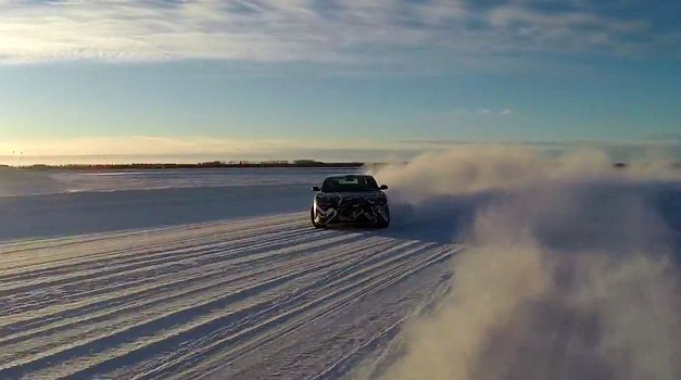 Lucid air EV je električno driftal po snegu (foto: Lucid Motors)