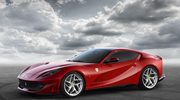Najmočnejši in najhitrejši Ferrari doslej: Berlinetta 812 Superfast z 800-'konjskim' dvanajstvaljnikom (foto: Ferrari)