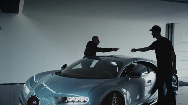 Cristiano Ronaldo testiral in odobril prihajajočega Bugattija Chriona (foto: Bugatti)