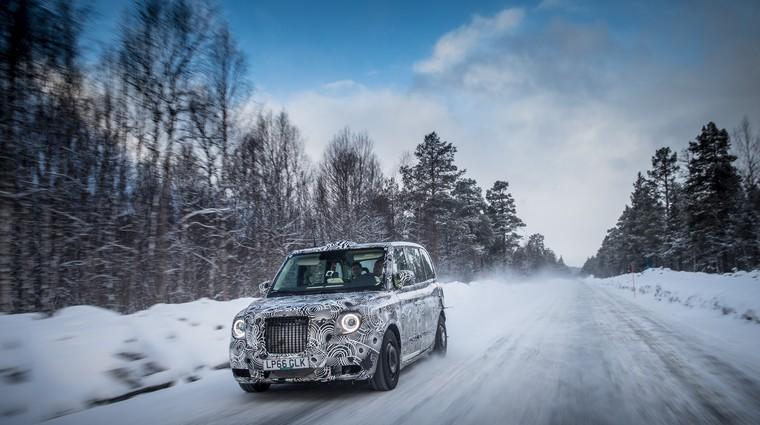 Električni taksi na preskusih v polarnem mrazu (foto: LTC)