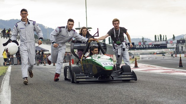 Na 24. Avtomobilski salon Slovenije pride tudi ekipa študentske formule (foto: Superior Engineering)