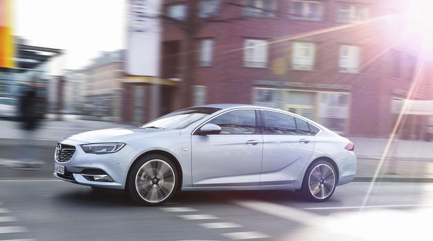 Vozili smo: Opel Insignia Grand Sport v marsičem v svojemu razredu preseneča.