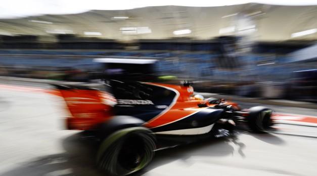 Fernando Alonso s Hondo na Indy 500