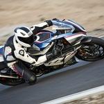 Najlažji in najmočnejši BMW-jev superbajk vseh časov: BMW HP4 Race. Za Slovenijo predviden en primerek! (foto: BMW Motorrad)