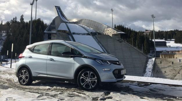 Vozili smo Opel Ampera-e: električni avto za vsakogar? (foto: Dušan Lukič)