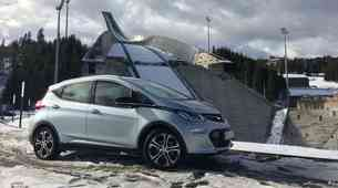 Vozili smo Opel Ampera-e: električni avto za vsakogar?