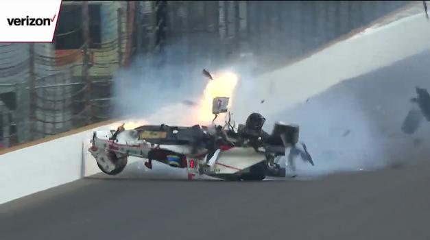 Sebastien Bourdais na kvalifikacijah dirke Indy 500 preživel eksplozivno trčenje ob zaščitno ograjo (foto: indycar @ YouTube)