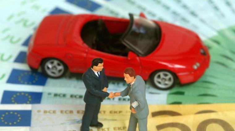Nakup rabljenega avtomobila: kakšnih trikov se poslužujejo preprodajalci? (foto: Profimedia)