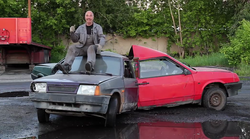 Bi vas presenetilo, če vam povemo, da so Rusi naredili vrtavko 'fidget spinner' iz avtomobilov?
