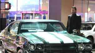 Keanu Reeves je v filmu John Wick 2 dokazal, da je najboljši voznik v šov biznisu