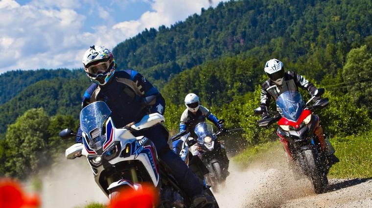 Ta bo pa težka: Ducati Multistrada 950, Honda Africa Twin ali KTM 1090 Adventure? (foto: Saša Kapetanovič)