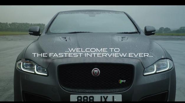 Najhitrejši intervju na svetu je potekal v Jaguarju XJR575 pri hitrosti 300km/h (foto: Jaguar)