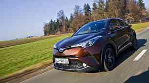 Test: Toyota C-HR 1.8 VVT-i hibrid C-HIC