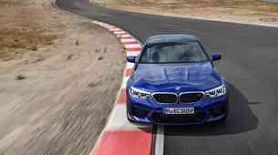 Novi BMW M5 je dobil štirikolesni pogon, a z značajem zadnjega pogona