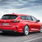 Po Oplu Insignii Grand Sport predstavljena še kombijevska Insignia GSi Sports Tourer (foto: Opel)